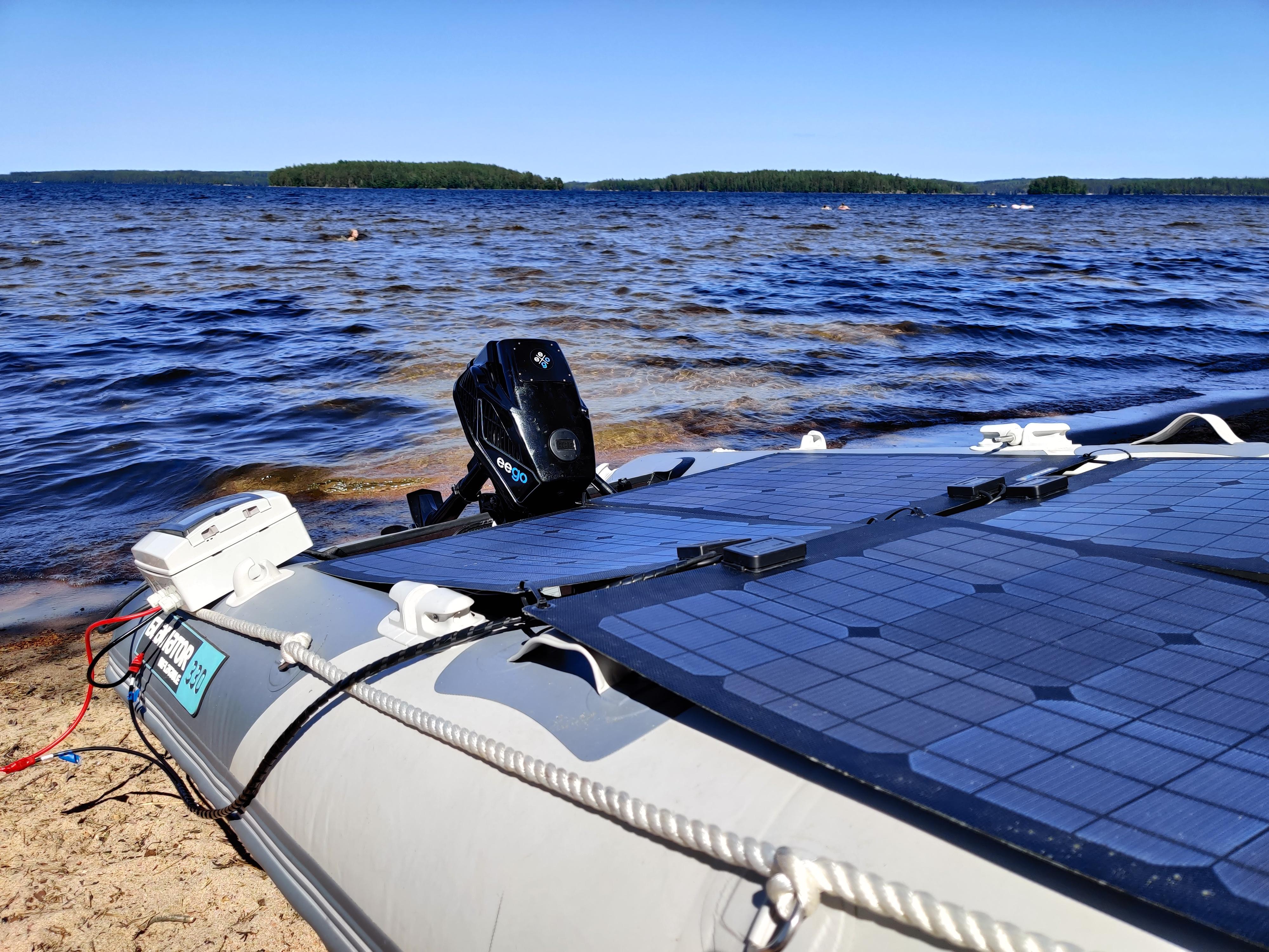 sähköperämoottori + aurinkopaneeli